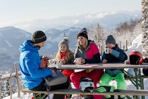 VDolnom Rakúsku nájdete 24 lyžiarskych stredísk a200 km zjazdoviek