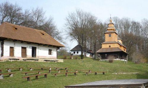 Drevené kostolíky v Národnom parku Poloniny (autom)