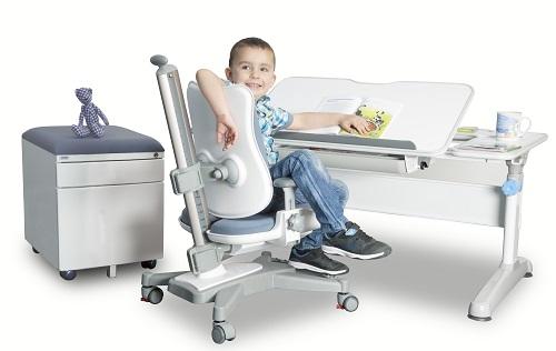Rastúca stolička a rastúci stôl – základ detskej izby