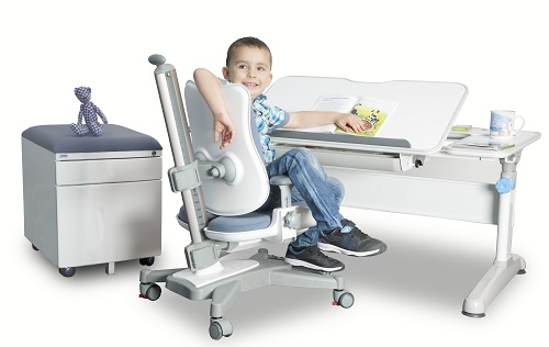 ergonomia pisania, rastuci stol,s tol pre skolaka