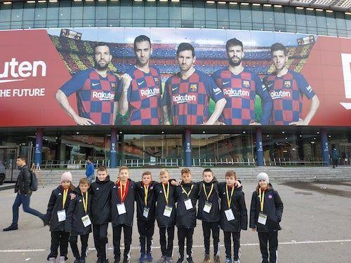 EL CLASICO zápas v Barcelone si užili aj malí slovenskí majstri z Trenčína