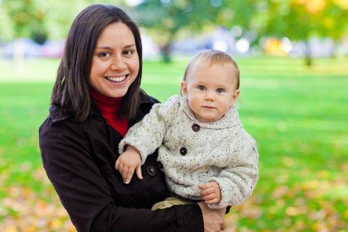 Mamičky, trápia vás strie a popôrodná celulitída? Zbavte sa ich (takmer) bez námahy