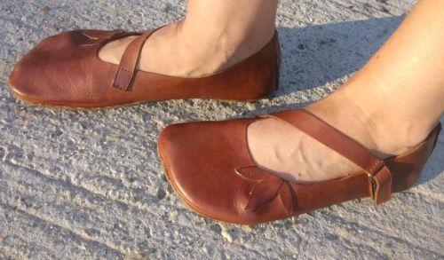 Handmade Barefoot - topánky si šije sama