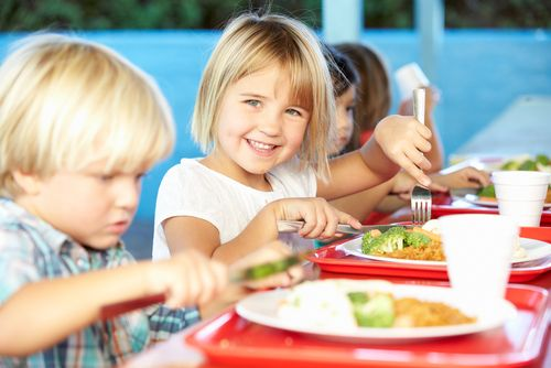 Smer navarí školákom obedy zadarmo?