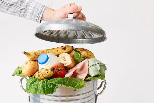 Zvyšky jedál nemusia vždy skončiť v koši. Ako s nimi naložiť?