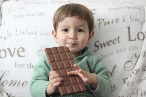 Tvoje deti jedia sladkosti?! Aj matky podvádzajú