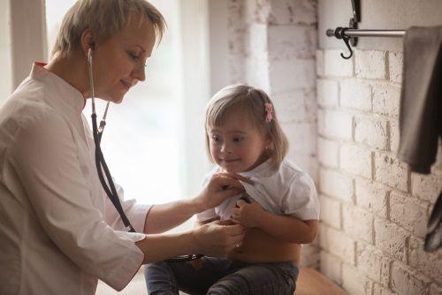 Dieťa môže mať Downov syndróm, ale nemusí to byť na ňom vidieť