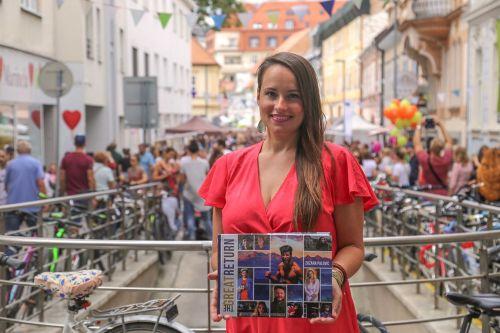 Ako dieťa emigrovala do Kanady, dnes o Slovensku píše knihy