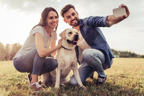 Materinské city venujú radšej psovi. Prečo ľudia nechcú deti?