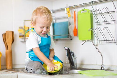 Aké úlohy a domáce práce zvládnu deti od 2 do 18 rokov
