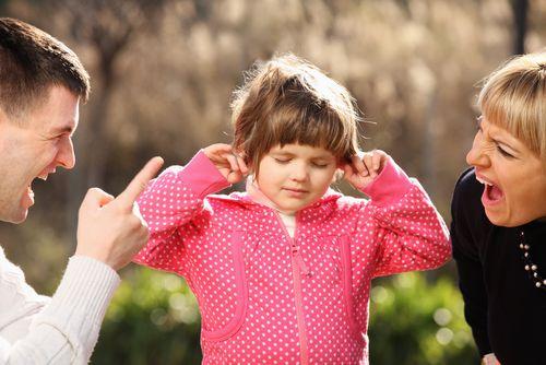 Čo v skutočnosti robíš svojmu dieťaťu, keď na neho kričíš?