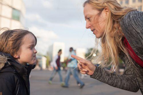 Vety, ktoré zhoršujú správanie detí a možno ich počúvajú každý deň