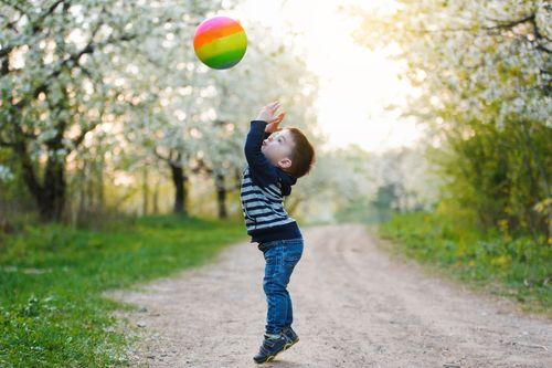Prečo dnešné deti nevedia chytiť loptu?