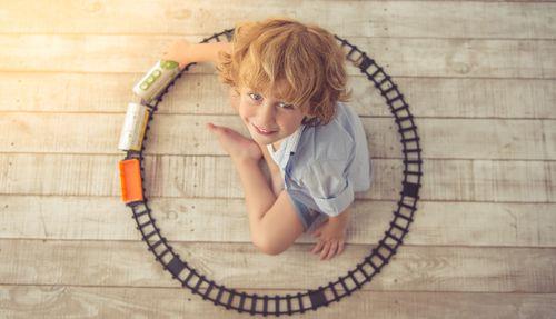 Montessori prístup: Deti upratujú hračky samé od seba