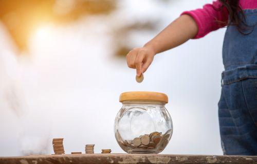 Príspevok pre tehotné, autobusy zadarmo, vyšší daňový bonus namiesto obedov – zmeny od 2021
