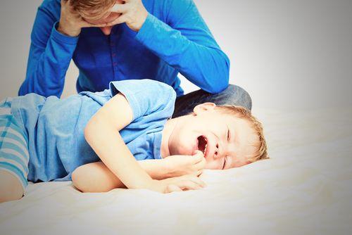 Epidémia mäkkých rodičov a benevolentnej výchovy