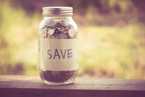 Dve tretiny Slovákov si nevytvára finančnú rezervu