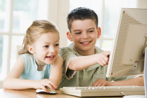 """Zraniteľnosť detí """"offline"""" a """"online"""" je úzko prepojená"""