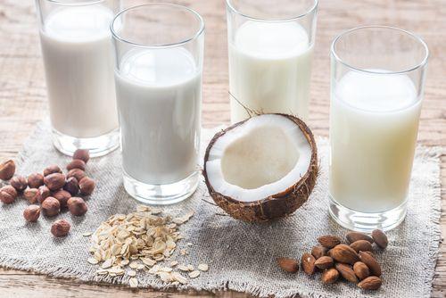 Oplatí sa vymeniť obyčajné mlieko za rastlinné?
