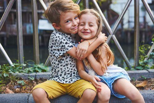 Je ťažšie vychovávať dievčatá alebo chlapcov?