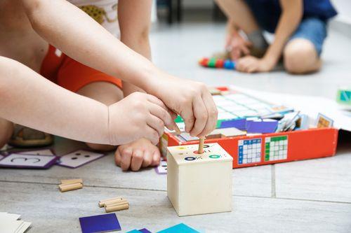 Čo môže byť v Montessori zariadeniach problém