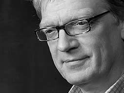 Ken Robinson vraví, že škola zabíja tvorivosť