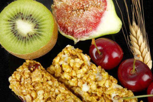 Raňajkový koláčik s ovsenými vločkami a sušeným ovocím