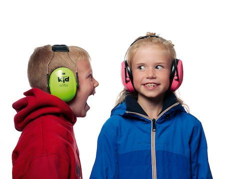 Napadlo vám niekedy chrániť deťom sluch?