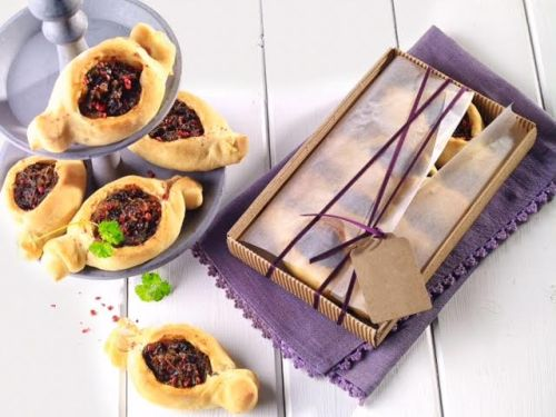 Cibul'ovo-slivkové taštičky (sladkokyslé)