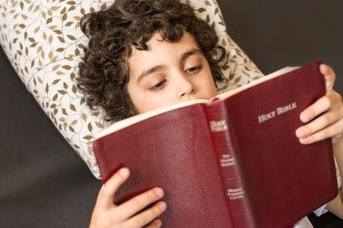 9 + 1 tip pre výber Biblie pre najmenšie i staršie deti