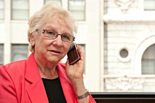 6 vlastností, ktoré má mať mobil vhodný pre seniora