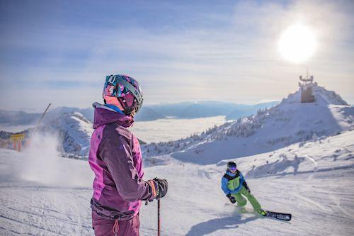 Štyri výborné lyžiarske strediská v Rakúsku vhodné na krátku dovolenku s deťmi