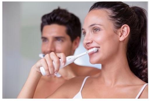 Sonická zubná kefka pre celú rodinu: Je lepšia aúčinnejšia?